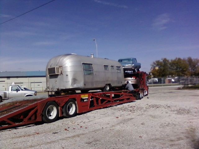 Click image for larger version  Name:airstream transport.jpeg Views:82 Size:86.7 KB ID:90461