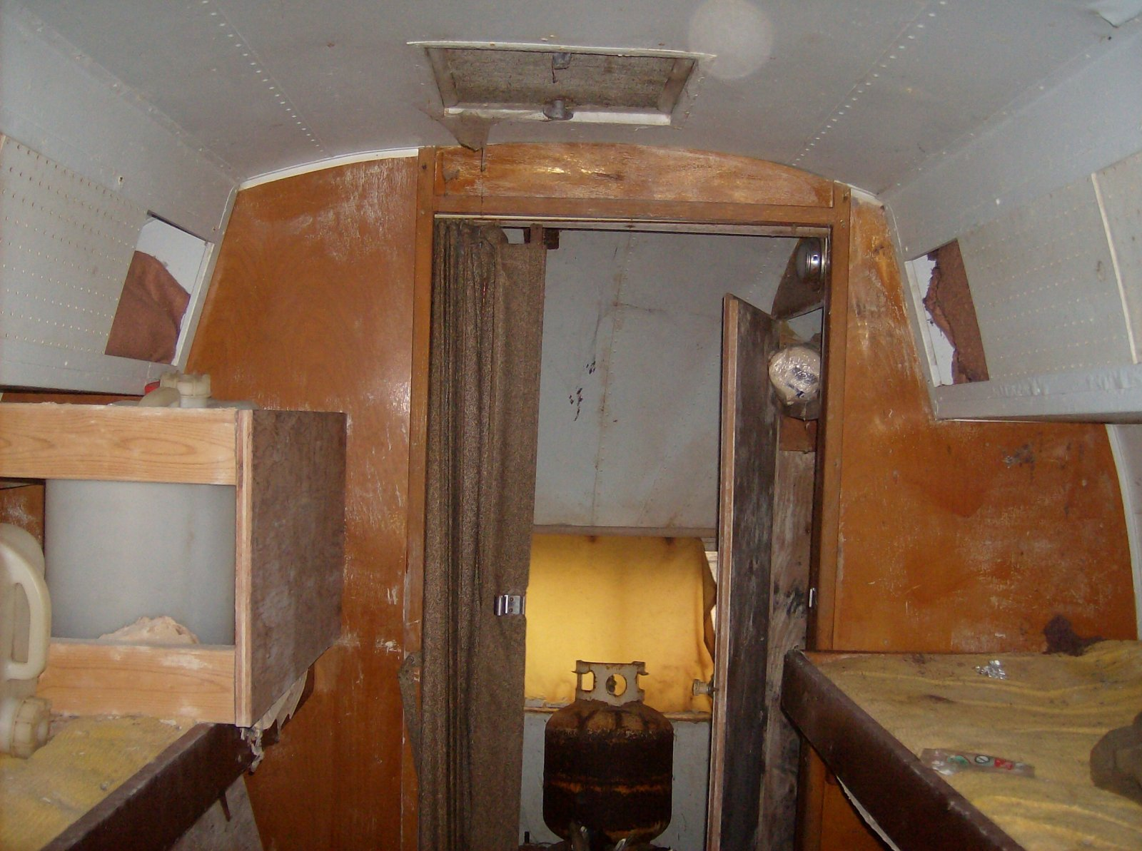Click image for larger version  Name:airstream 013.jpg Views:84 Size:279.6 KB ID:90614