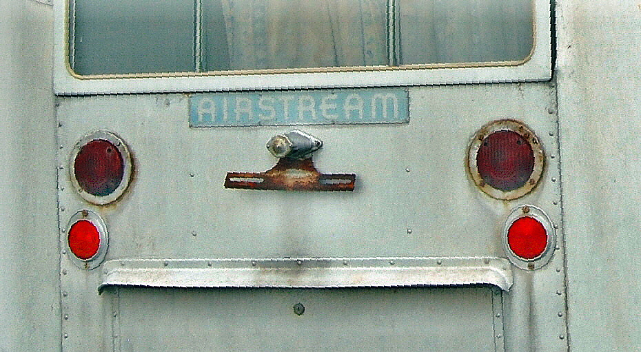 Click image for larger version  Name:09-19-2009 (336) airstream sign 2.jpg Views:100 Size:406.1 KB ID:90666