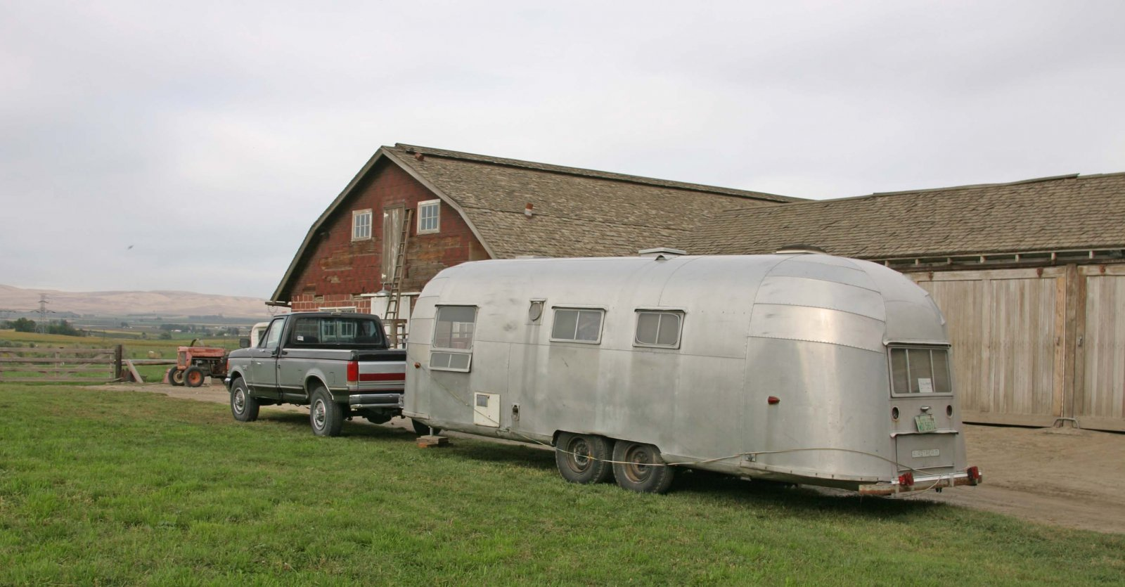 Click image for larger version  Name:56  home at the barn.jpg Views:102 Size:183.4 KB ID:91102