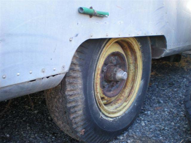 Click image for larger version  Name:whale tail  wheel well five lug.jpg Views:106 Size:68.5 KB ID:91322