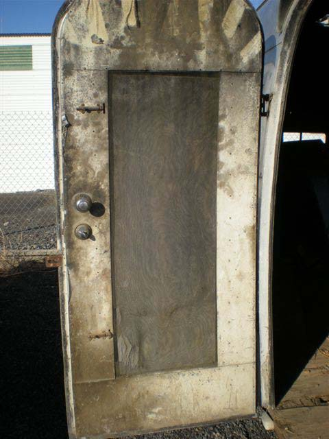 Click image for larger version  Name:whale tail  dirty door.jpg Views:108 Size:74.7 KB ID:91328