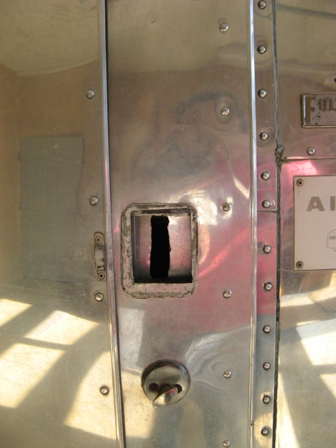 Click image for larger version  Name:Lock Repair - 01.jpg Views:68 Size:76.9 KB ID:91660