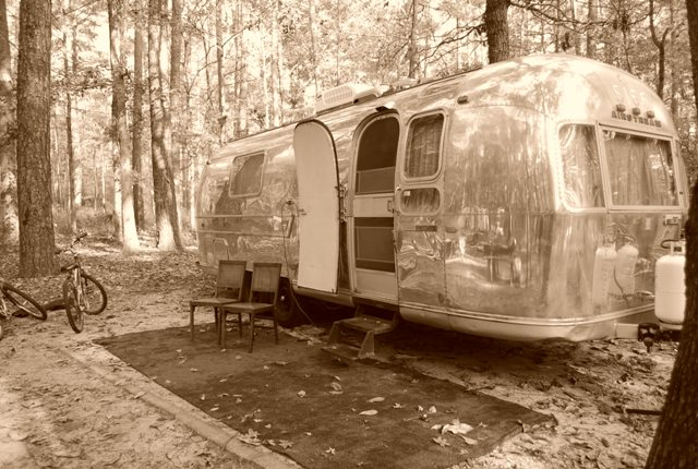 Click image for larger version  Name:Vintage Camping.jpg Views:114 Size:117.1 KB ID:92133