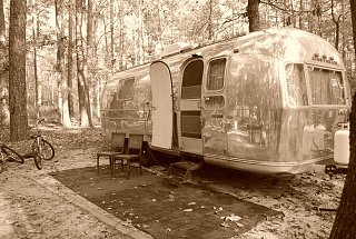 Click image for larger version  Name:Vintage Camping.jpg Views:143 Size:117.1 KB ID:92133