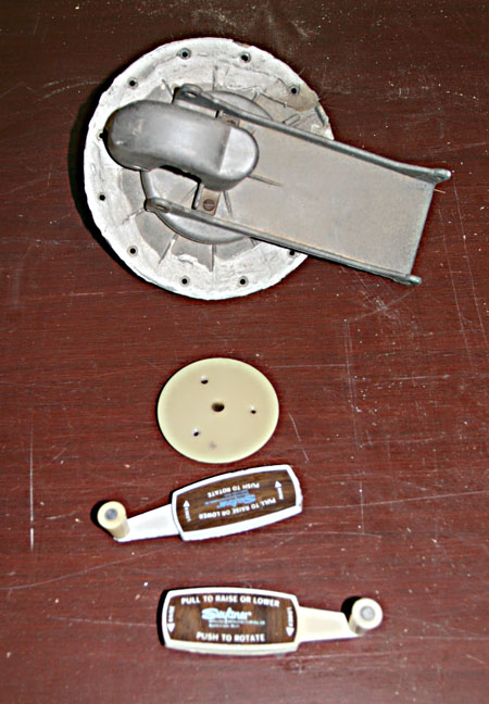 Click image for larger version  Name:IMG_0379 antenna parts-s.jpg Views:61 Size:104.8 KB ID:92153