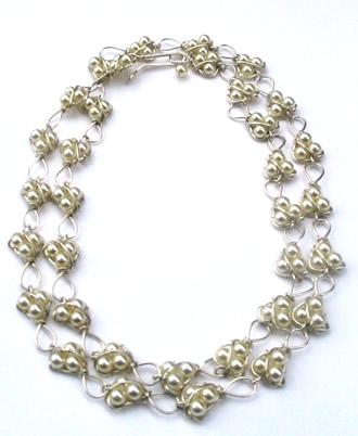 Click image for larger version  Name:necklacesuperlong_prim.jpg Views:86 Size:29.4 KB ID:9219