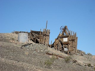 Click image for larger version  Name:hq 2 Steter stamping mill on Q mtn.jpg Views:94 Size:60.3 KB ID:92225