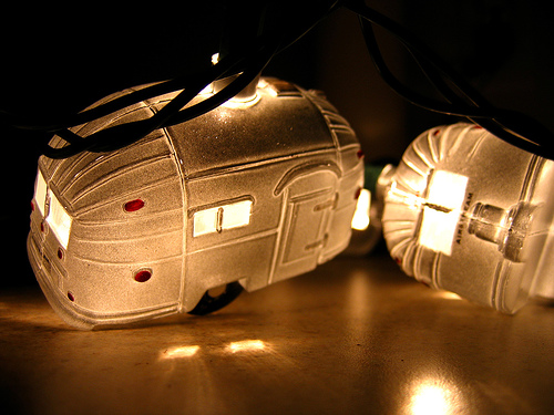 Click image for larger version  Name:airstream christmas lights.jpg Views:57 Size:113.2 KB ID:92613