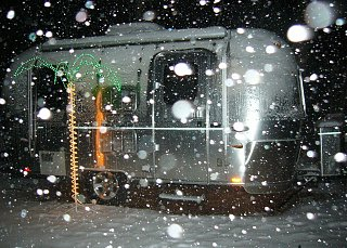 Click image for larger version  Name:air.snow2.jpg Views:277 Size:437.9 KB ID:92750
