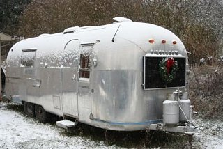 Click image for larger version  Name:2009-12-12 airstream 003.JPG Views:208 Size:45.7 KB ID:92789
