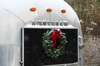 Click image for larger version  Name:2009-12-12 airstream 006.JPG Views:202 Size:41.9 KB ID:92790