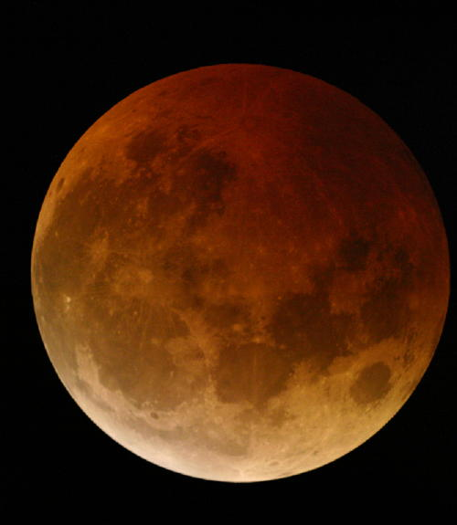 Click image for larger version  Name:eclipsed moon, 10-27-04.jpg Views:125 Size:24.5 KB ID:9283
