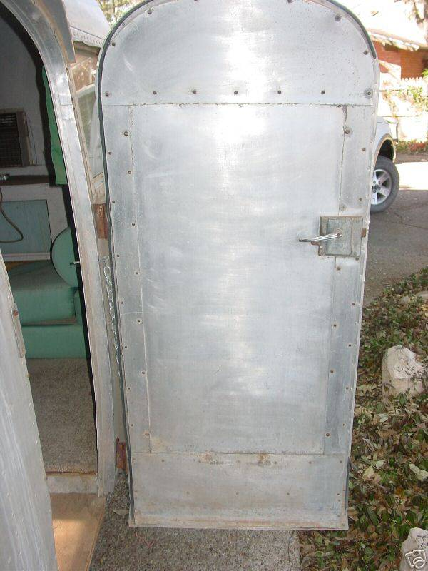 Click image for larger version  Name:47 AIRSTREAM inside door lock #2.jpg Views:85 Size:68.0 KB ID:93009