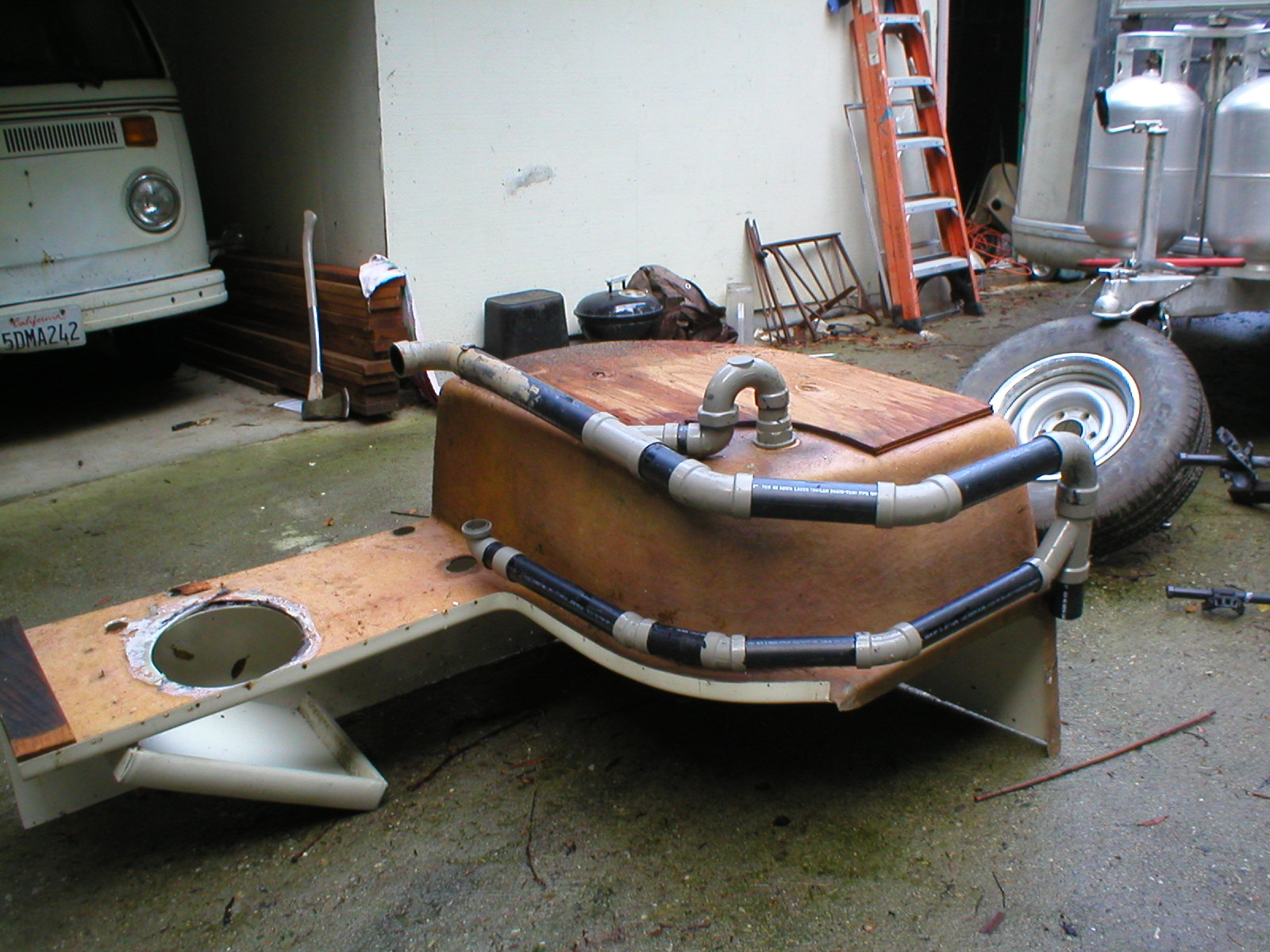 Click image for larger version  Name:tub P trap 002.jpg Views:102 Size:381.1 KB ID:93076