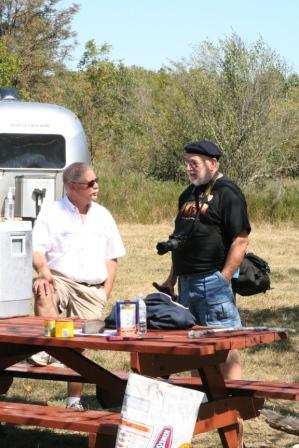 Click image for larger version  Name:Airstreams in the wilds 1.jpg Views:96 Size:49.0 KB ID:93436