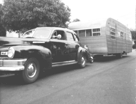 Click image for larger version  Name:1952... car & trailer.jpg Views:74 Size:29.7 KB ID:94448
