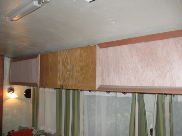 Click image for larger version  Name:upper cabinets.jpg Views:76 Size:65.8 KB ID:94543