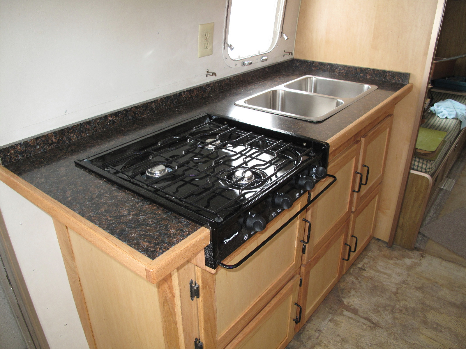 Click image for larger version  Name:Cooktop and Sink.jpg Views:74 Size:998.3 KB ID:95503