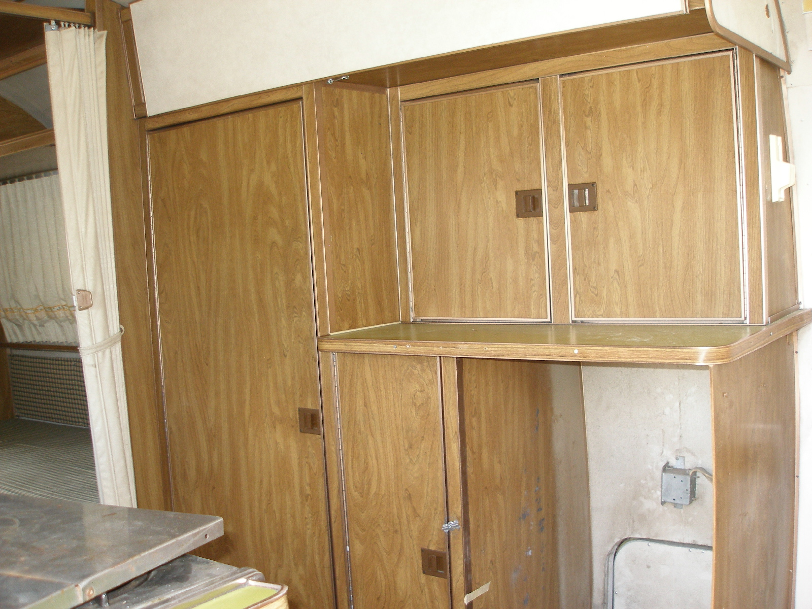 Click image for larger version  Name:Old refer cabinet.jpg Views:71 Size:997.9 KB ID:95504
