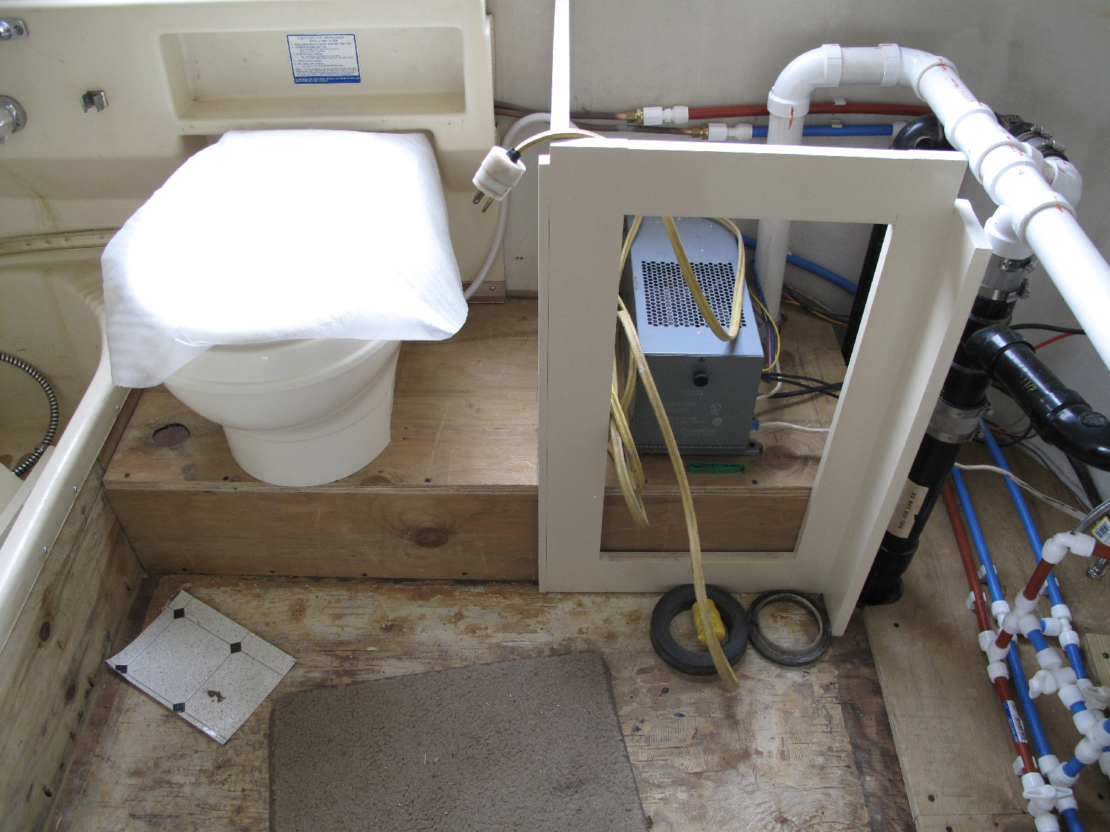 Click image for larger version  Name:New Toilet.jpg Views:75 Size:974.2 KB ID:95506
