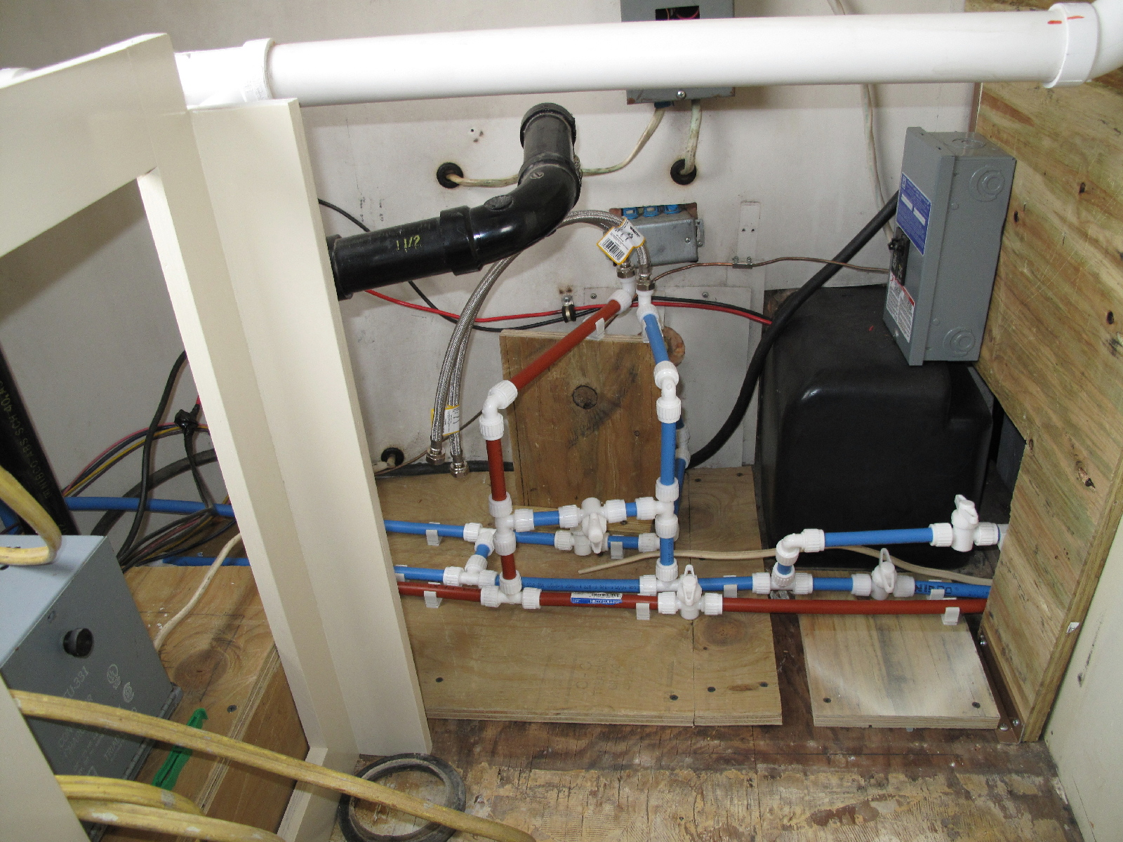 Click image for larger version  Name:New PEX tubing thru out.jpg Views:78 Size:962.1 KB ID:95507