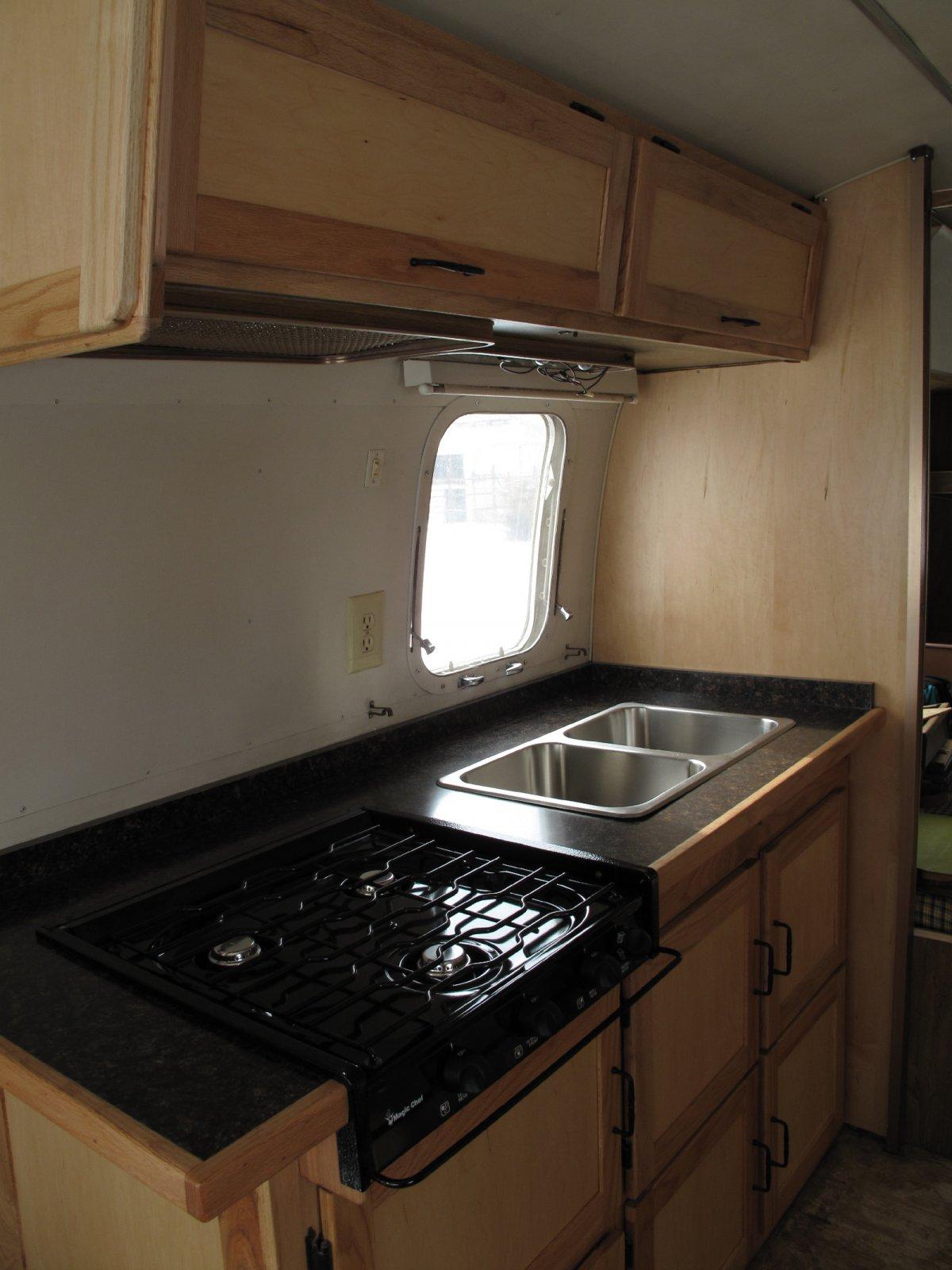 Click image for larger version  Name:Upper sink cabinet 2.jpg Views:84 Size:190.3 KB ID:95515