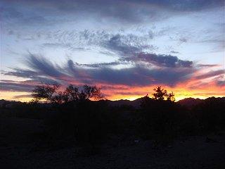 Click image for larger version  Name:sun set 4.jpg Views:101 Size:39.6 KB ID:95616