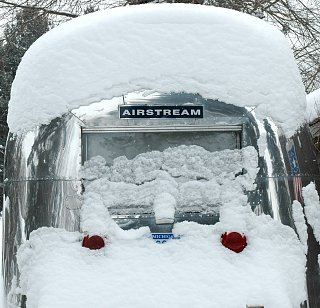 Click image for larger version  Name:snowycaravel.jpg Views:109 Size:384.7 KB ID:96087