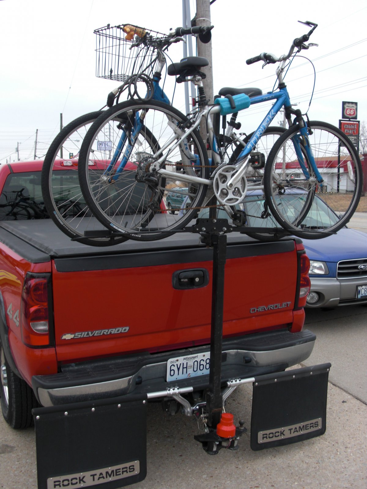 Click image for larger version  Name:Bike Rack.jpg Views:73 Size:288.2 KB ID:97260