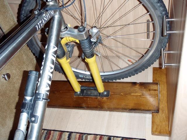 Click image for larger version  Name:bikerackclose.jpg Views:102 Size:121.8 KB ID:98192