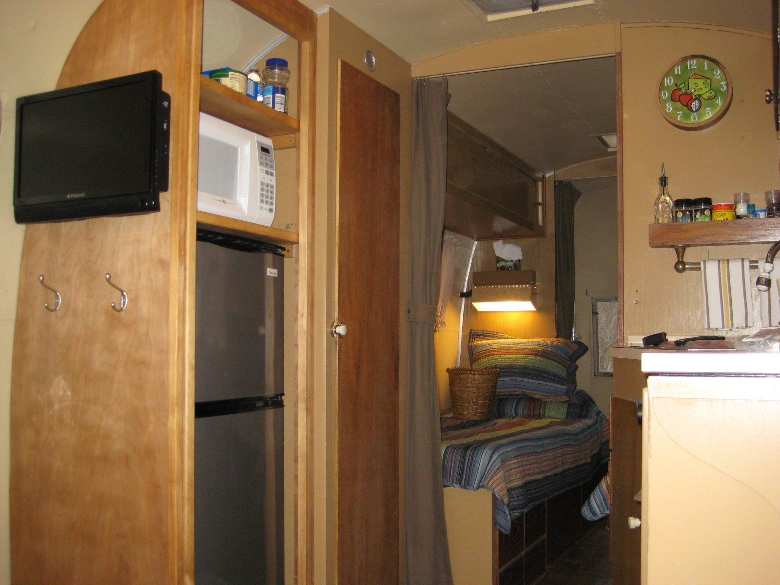 Click image for larger version  Name:Airstream 005.jpg Views:73 Size:237.3 KB ID:98296