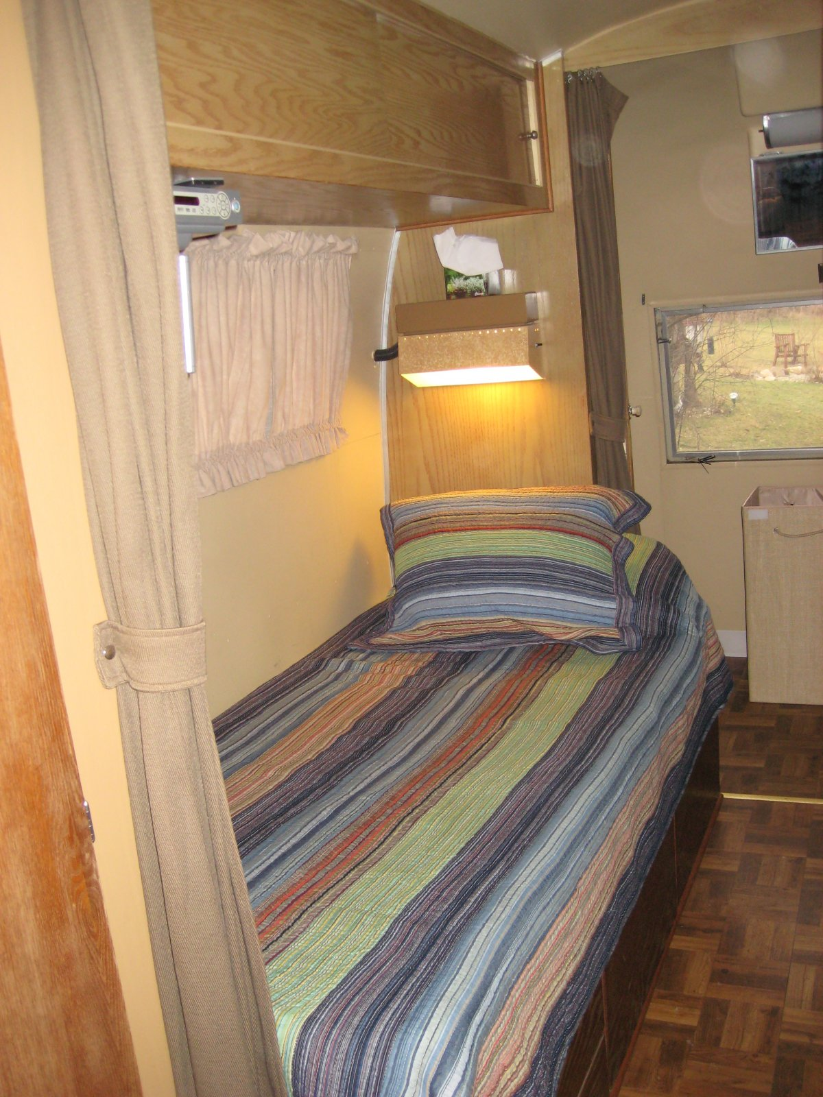 Click image for larger version  Name:Airstream 007.jpg Views:81 Size:343.9 KB ID:98300