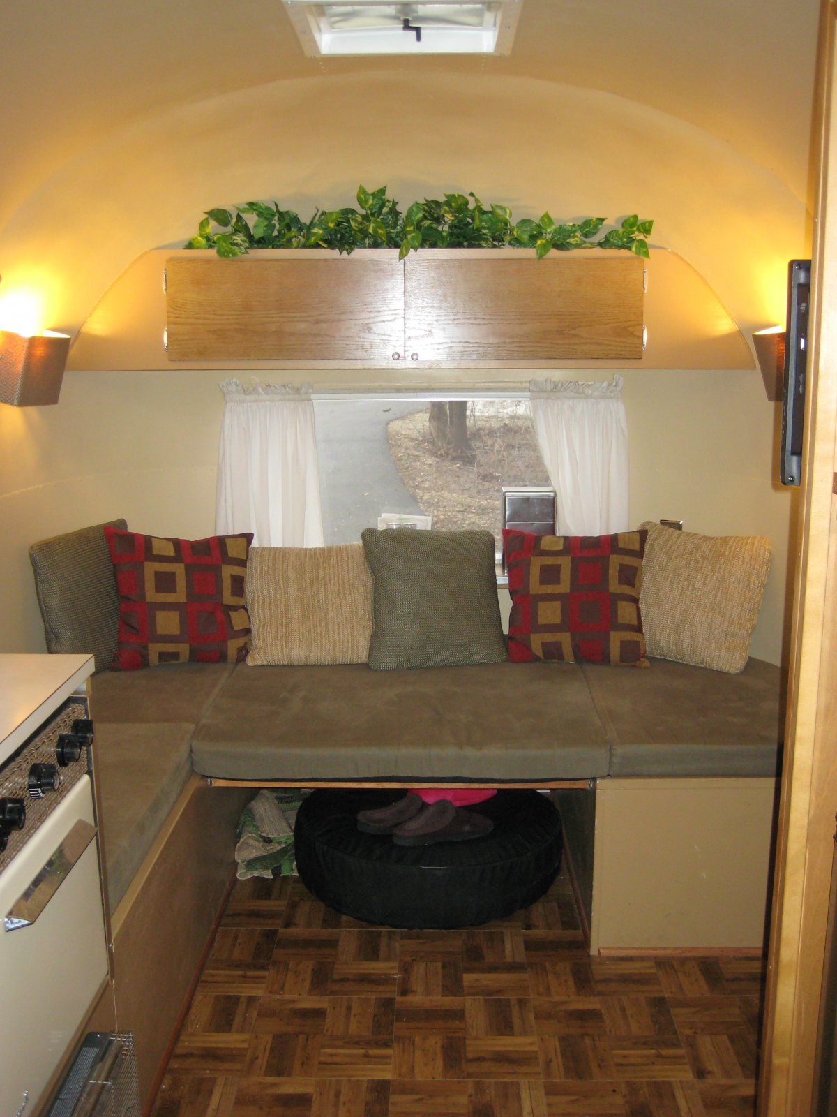 Click image for larger version  Name:Airstream 003.jpg Views:83 Size:250.6 KB ID:98301