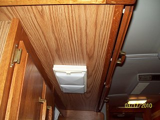 Click image for larger version  Name:Bottom of Cabinet.jpg Views:105 Size:338.3 KB ID:98310