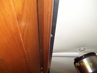 Click image for larger version  Name:Inside cabinet looking up.jpg Views:111 Size:185.7 KB ID:98313