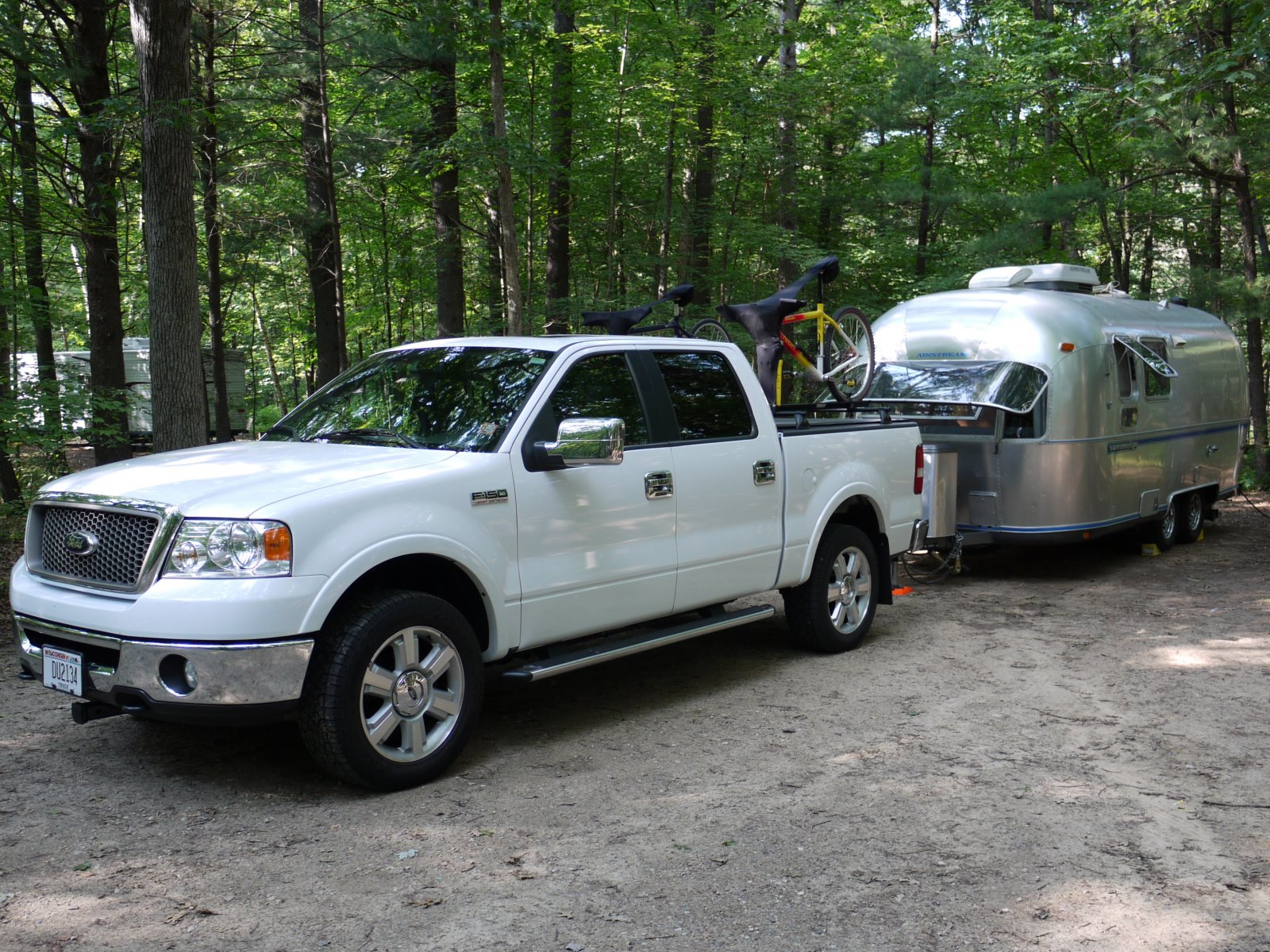 Click image for larger version  Name:Mirror Lake Truck & Airstream.jpg Views:68 Size:503.7 KB ID:98743