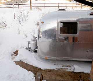 Click image for larger version  Name:P3250005 snow path-s.jpg Views:74 Size:91.6 KB ID:98765