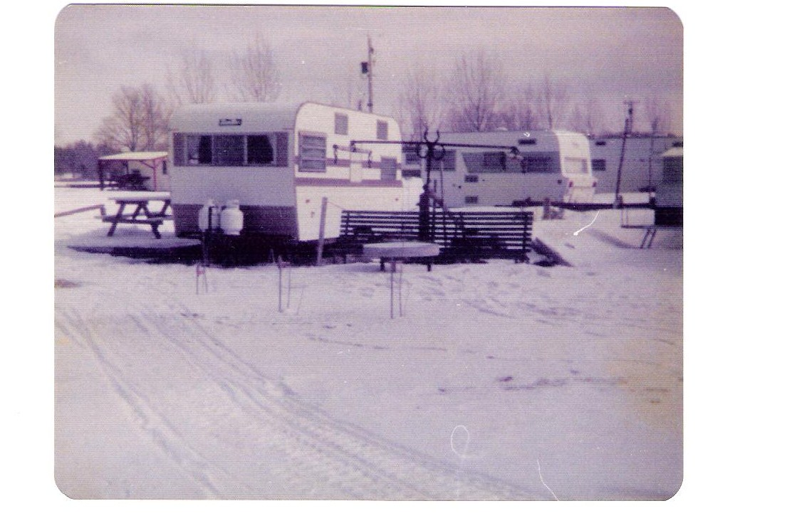 Click image for larger version  Name:OLD FAMILY TRAILER 002.jpg Views:85 Size:167.5 KB ID:98825