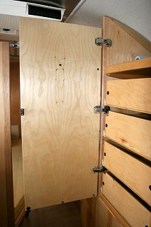 Click image for larger version  Name:IMG_0516 drawers closed-s.jpg Views:322 Size:74.0 KB ID:98892