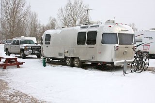Click image for larger version  Name:In the snow.jpg Views:93 Size:48.2 KB ID:99016