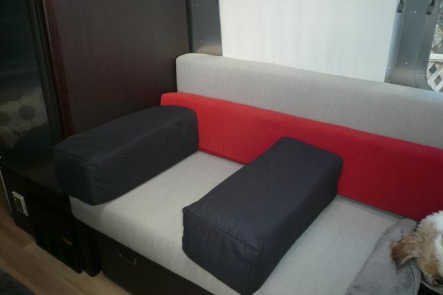Click image for larger version  Name:armrest3.jpg Views:144 Size:84.3 KB ID:99390