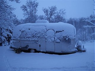 Click image for larger version  Name:AirstreamSnow100kb.jpg Views:189 Size:59.0 KB ID:9988