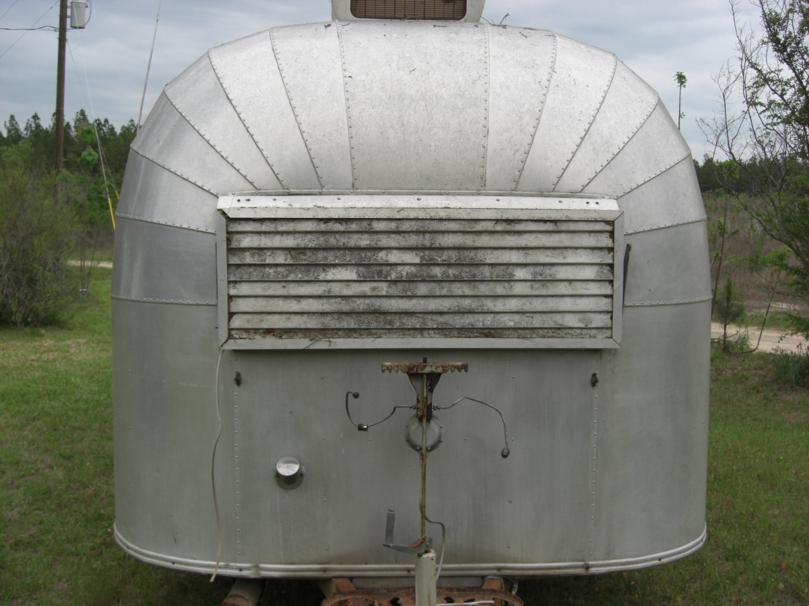 Click image for larger version  Name:1955 airstream 4-27p08 010.jpg Views:197 Size:253.8 KB ID:175