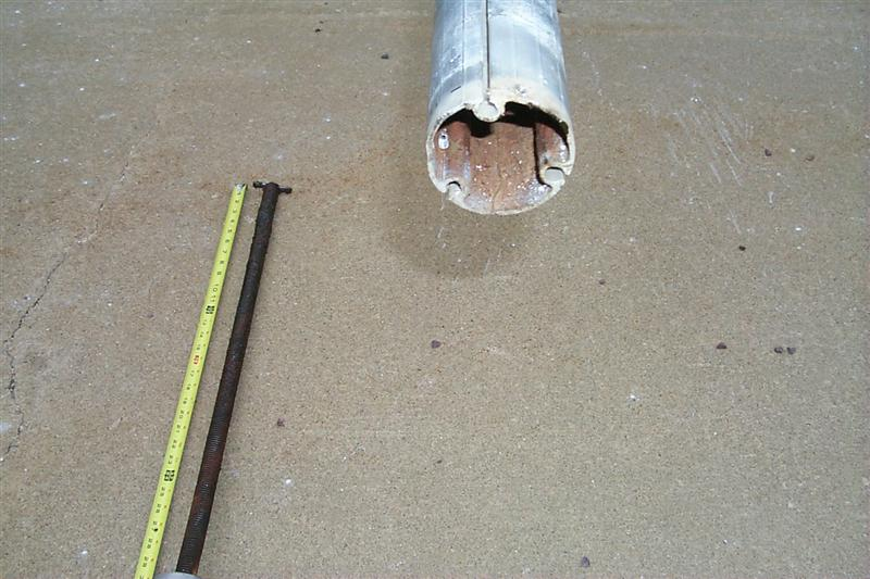 Click image for larger version  Name:AWNING TUBE OPEN (Medium).JPG Views:316 Size:75.1 KB ID:3567