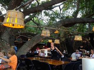 Click image for larger version  Name:Crab shack.jpg Views:154 Size:78.9 KB ID:3848