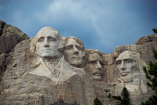 Click image for larger version  Name:Mt Rushmore-2.jpg Views:263 Size:189.5 KB ID:41