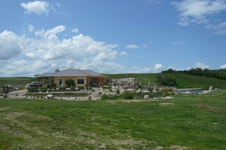 Click image for larger version  Name:09:06:23 Cypress Hills Winery - 24.jpg Views:642 Size:77.3 KB ID:790